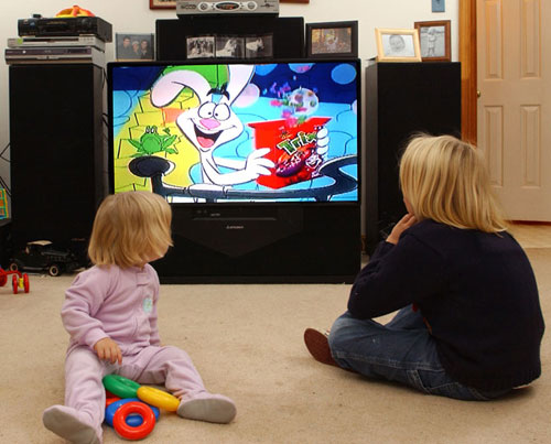 kids watching food advertisements on tv